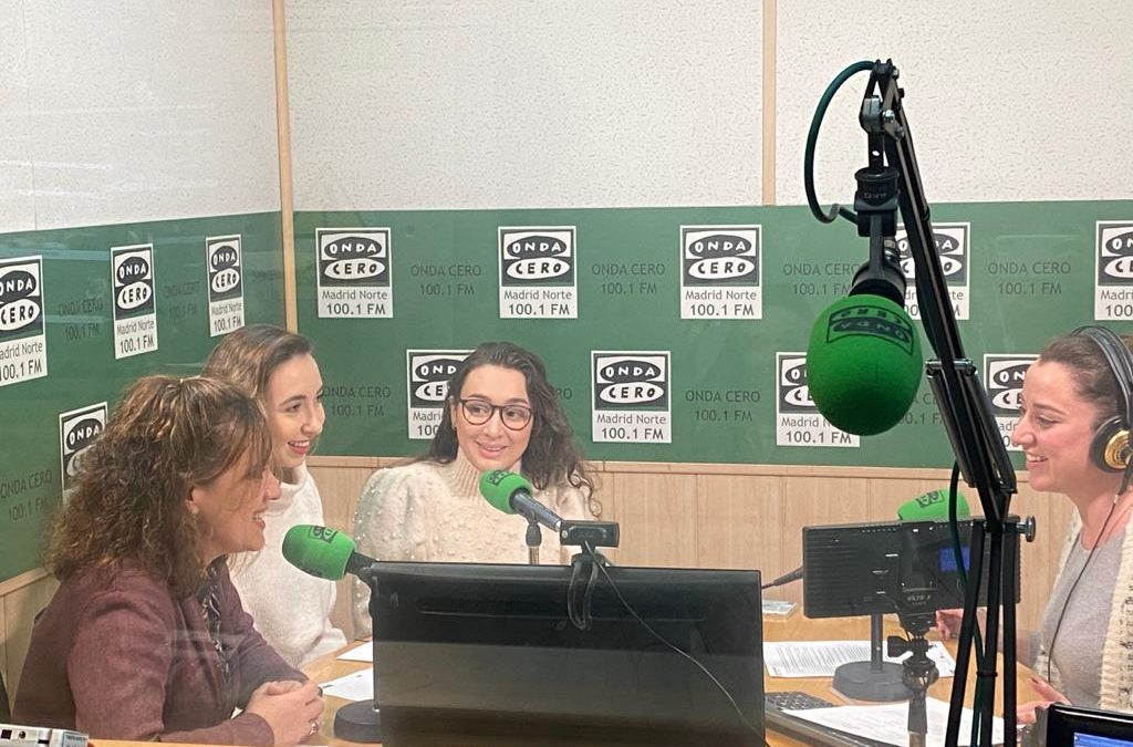 Alumnas del CFGS de Educación Infantil presentan en la radio el Proyecto «Mira, Siente, Cuida»